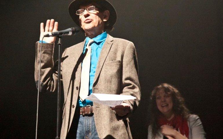 Ron Hynes at the 2013 ECMA Awards. Amelia Curran in background.