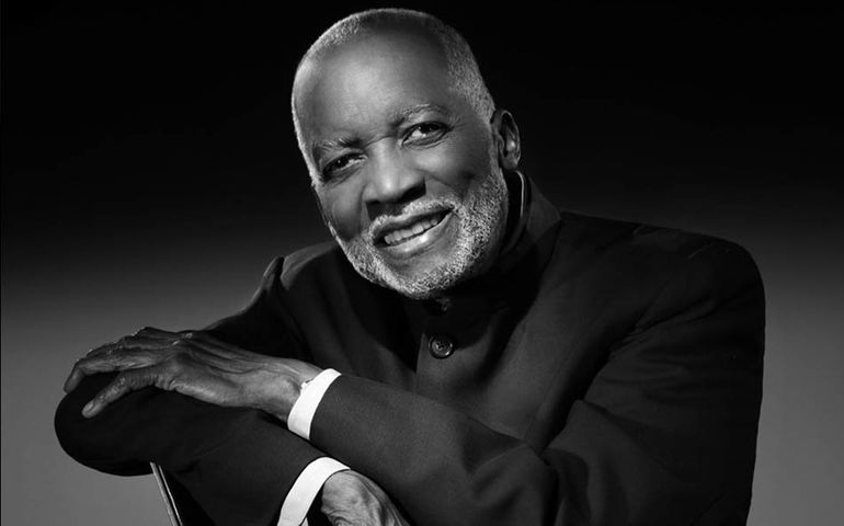 Ahmad Jamal Live at the Pershing (In Conversation 1990) | FYIMusicNews