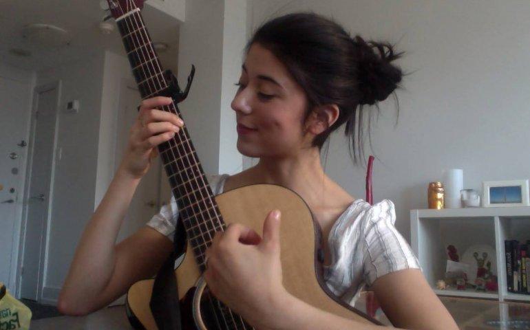 Singer songwriter Daniela Andrade