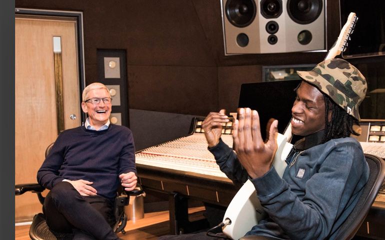 Apple's Tim Cook and Daniel Caesar at Revolution Recording in Toronto earlier this week