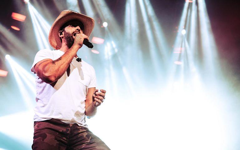 Dean Brody on the Bud stage in Toronto Friday night. Pic: Frankie Ludikar