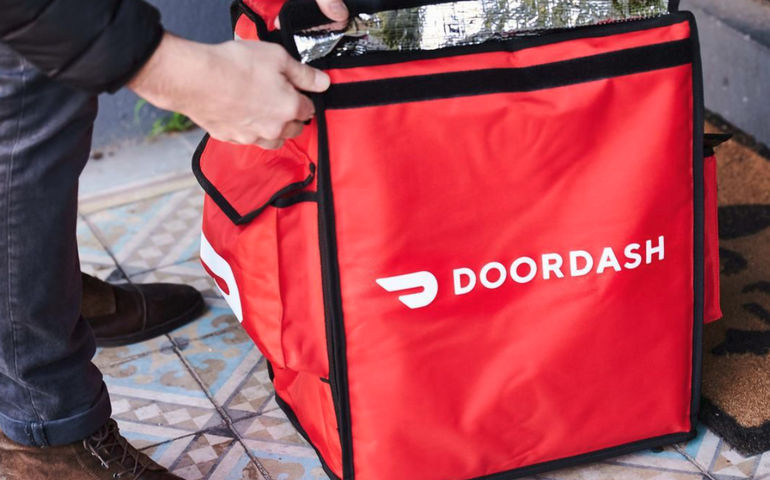 DoorDash starts offering on-demand grocery delivery