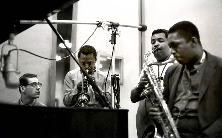 Photo (l-r): Bill Evans, Miles Davis, Cannonball Adderley, John Coltrane