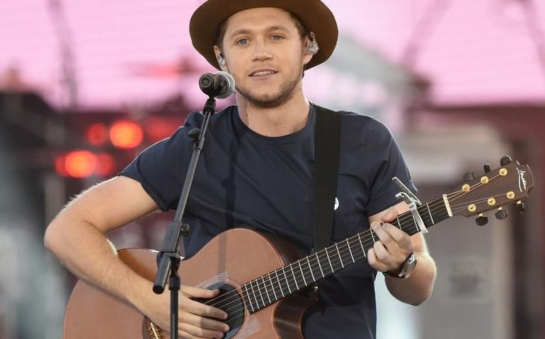 Niall Horan is top of the pops this week.