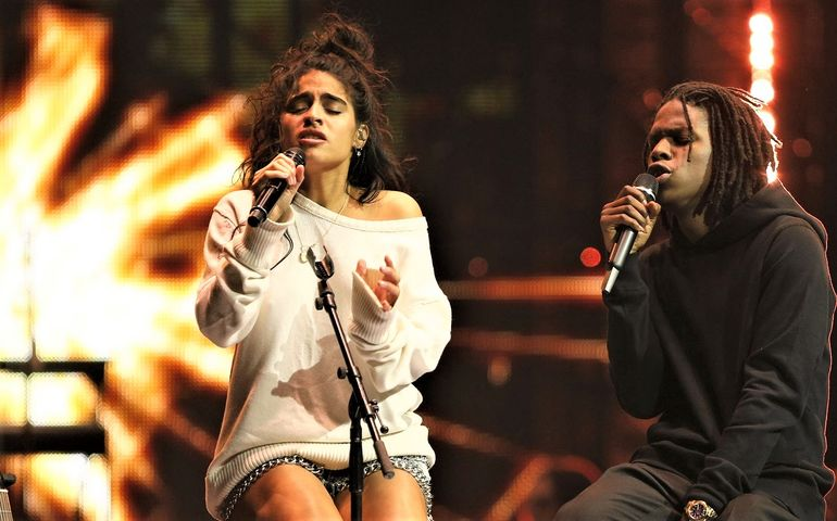 "Juno winners Jessie Reyez and Daniel Caesar performing ""Figures"" on last night's CBC telecast."