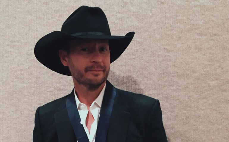 Paul Brandt sporting his Hall of Fame medallion