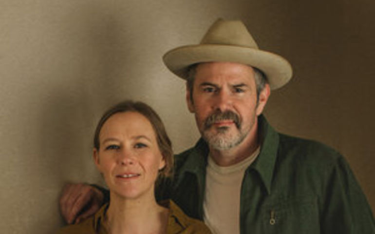 Pharis & Jason Romero  Photo: Laureen Carruthers