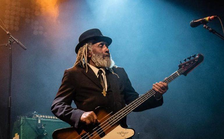 RIP: Big Sugar bassist Garry Lowe