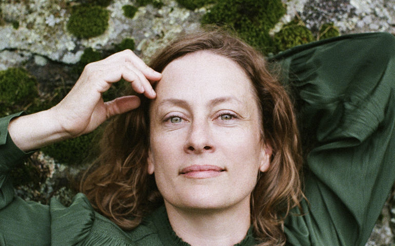 Sarah Harmer   Photo: Vanessa Heins