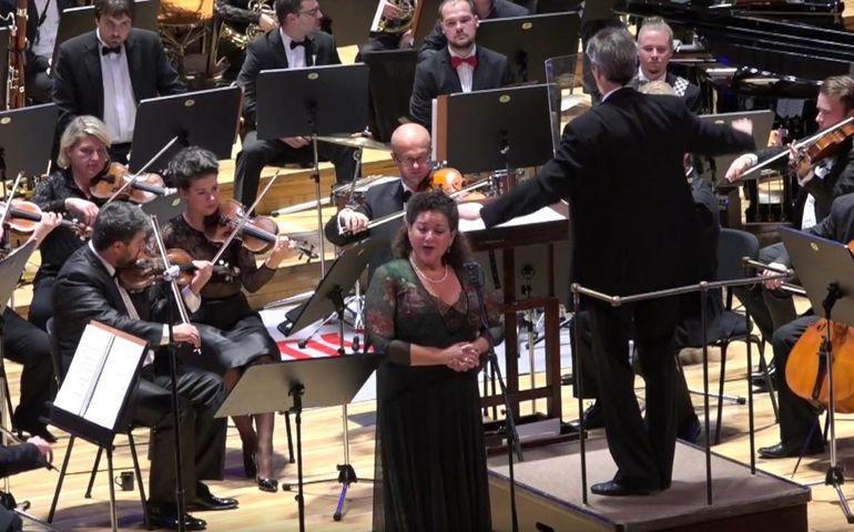 Soprano Sharon Azrieli