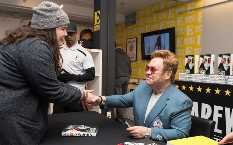 Sir Elton greets Toronto fans Photo supplied by UMC: Ben Gibson, © HST Global Limited, courtesy of Rocket Entertainment