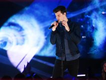 Shawn Mendes performing on the show last night