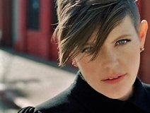 Activist Dixie Chick Natalie Maines has poked George Bush and Ted Cruz and now she's calling out Country musicians for supporting Trump.