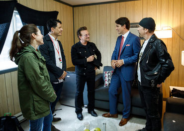 Prior to their performance of 'One' at the Canada Day Parliament Hill concert, Bono and The Edge had a private audience with Prime Minister Trudeau, his wife Sophie and their children, along with UMC's Jeffrey Remedios and Kristen Burke.
