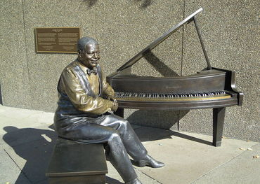 Oscar Peterson  Wikimedia photo