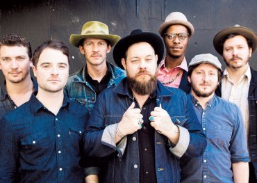 Nathaniel Rateliff & his band The Night Sweats