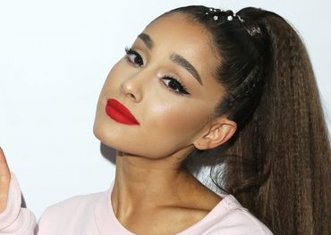 Ariana Grande look as cool as raspberry popsicle on a summer day