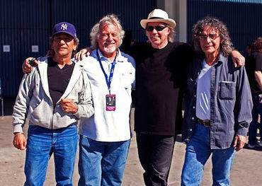 Neil Young to reunite with Crazy Horse