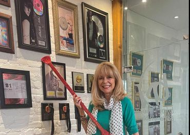Bloc Notes' Diane Pinet with her Tom Wilson paddle.