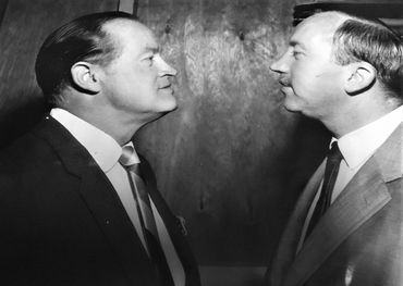 Frank going mano-a-mano with Bob Hope