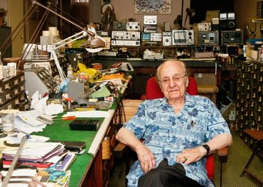 Hy Bloom and his H.H. Bloom Sound Enterprises were a downtown Ottawa landmark for more than 50 years. Photo: Bruce Beachman, Ottawa Citizen