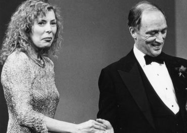 In 1981, Prime Minister Pierre Trudeau awarded Joni Mitchell a place in the Hall of Fame. Pic:Thomas Szlukovenyi, Globe and Mail