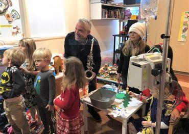 Dave Koz with kids at Santa Rosa Memorial Hospital — photo provided.