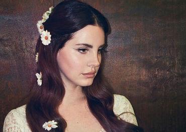 Lana at Coachella looking very maidenly