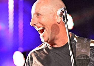 Harlequin's Paul McNair joins Streetheart on tour