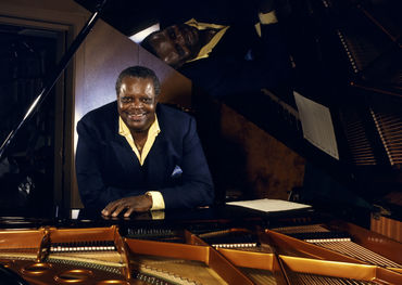 Oscar Peterson  Photo from official website