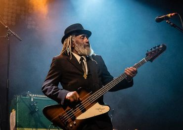 RIP: Big Sugar bassist Garry Lowe
