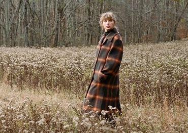 Taylor Swift promo shot