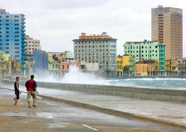 The Malecon, Havana   Photo: Bill King