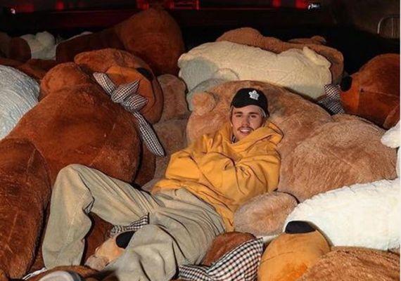 Justin Bieber chills. Pic: Instagram