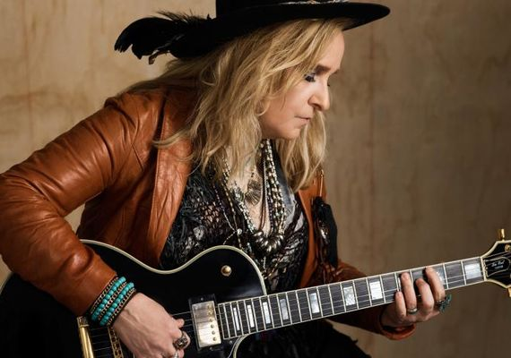 Melissa Etheridge promo shot 2919 - photo provided