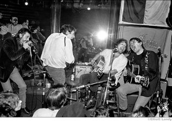 Levon Helm, Bob Dylan, Rick Danko w. Shredni Volper, Lone Star Cafe, NYC, 1983. Photo By ©Elliott Landy, LandyVision Inc.