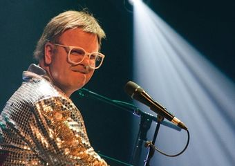 Ron Camilleri performing as Elton Rohn